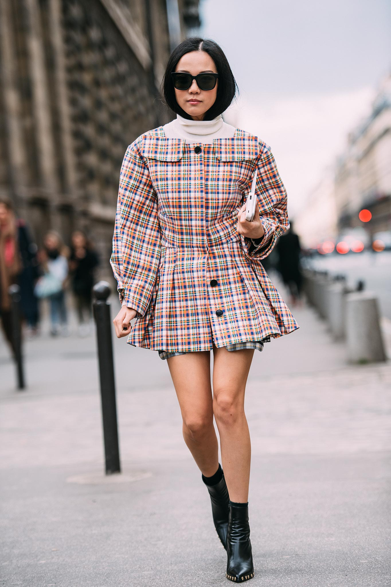 YoYo Cao at Paris Fashion Week Fall/Winter 2016